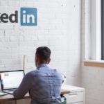 Opvallen op LinkedIn? Zo beïnvloed je het algoritme